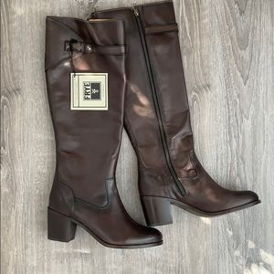 NWT Frye Malorie Button Tall Boots